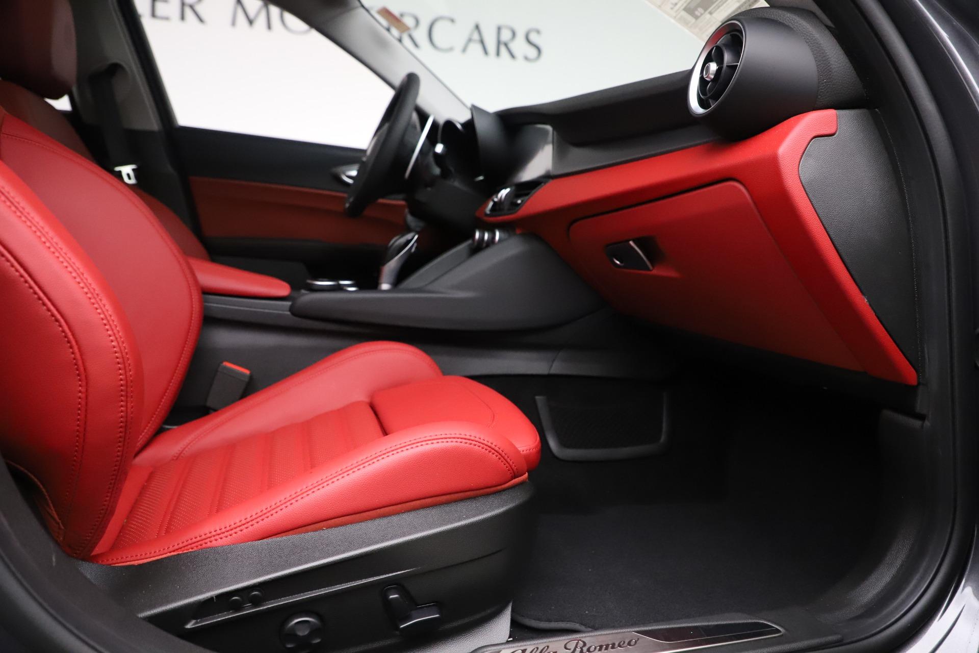 New 2019 Alfa Romeo Giulia Ti Sport Q4 For Sale In Westport, CT 3074_p23