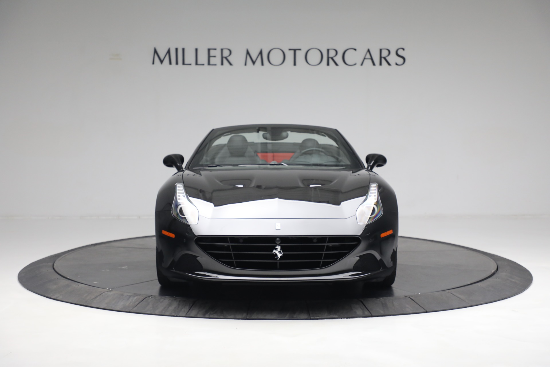 Used 2016 Ferrari California T  For Sale In Westport, CT 3082_p12