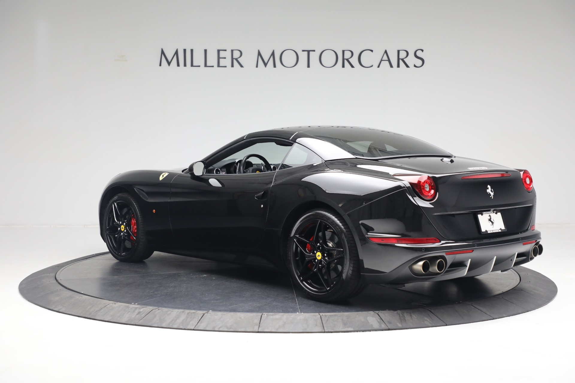 Used 2016 Ferrari California T  For Sale In Westport, CT 3082_p15