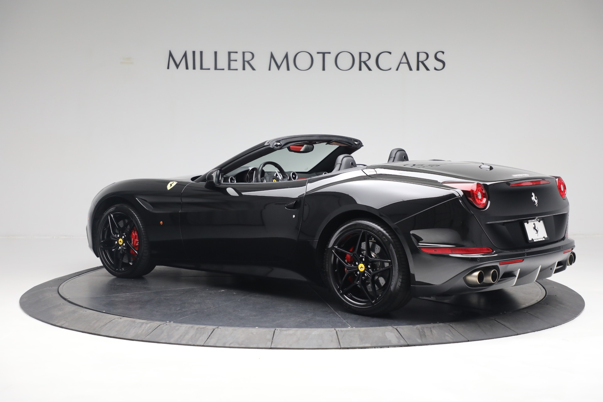 Used 2016 Ferrari California T  For Sale In Westport, CT 3082_p4