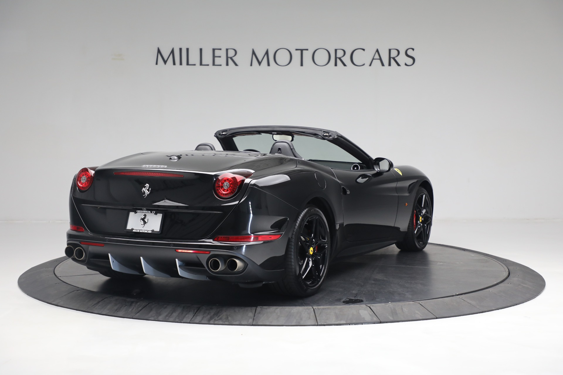 Used 2016 Ferrari California T  For Sale In Westport, CT 3082_p7