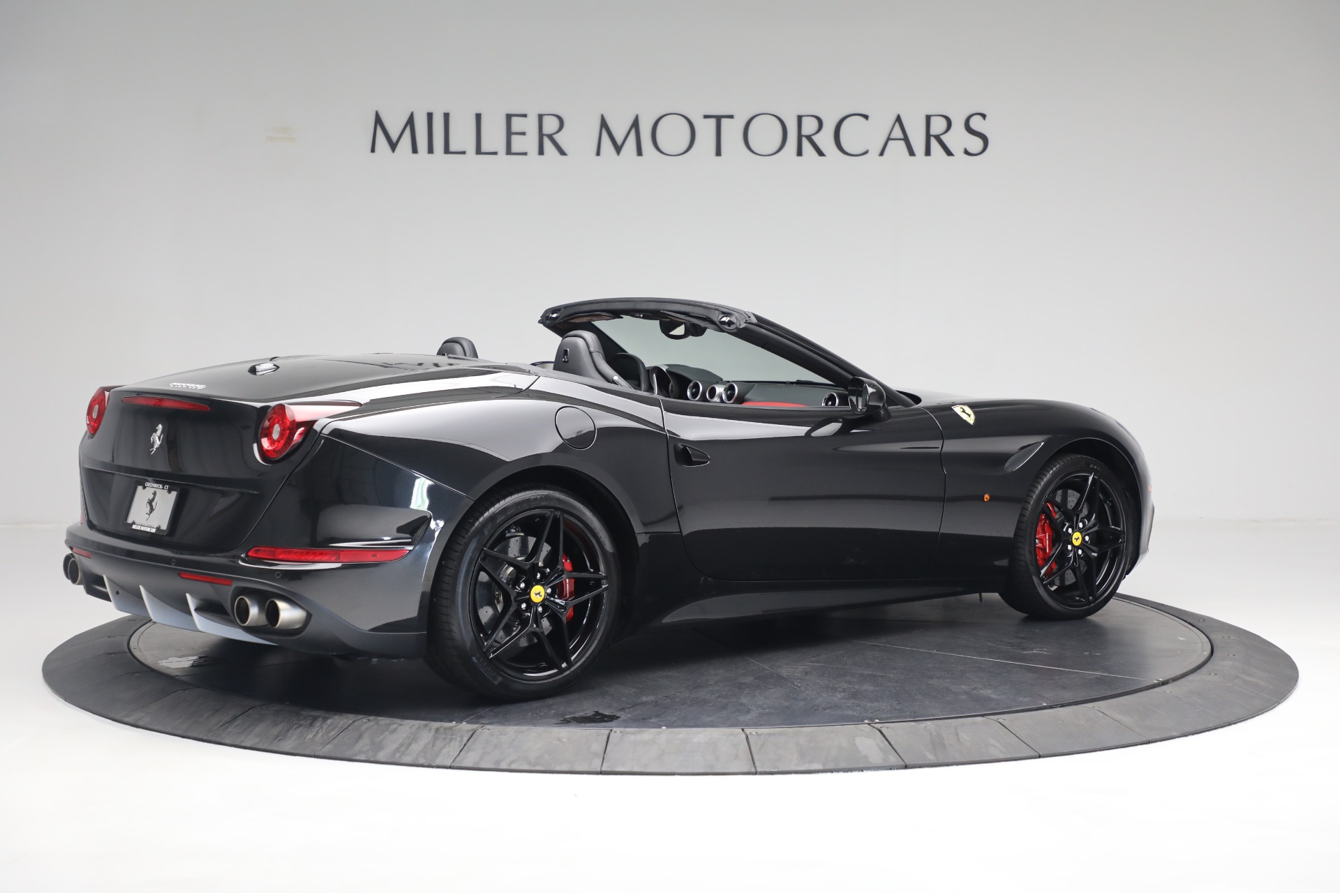 Used 2016 Ferrari California T  For Sale In Westport, CT 3082_p8
