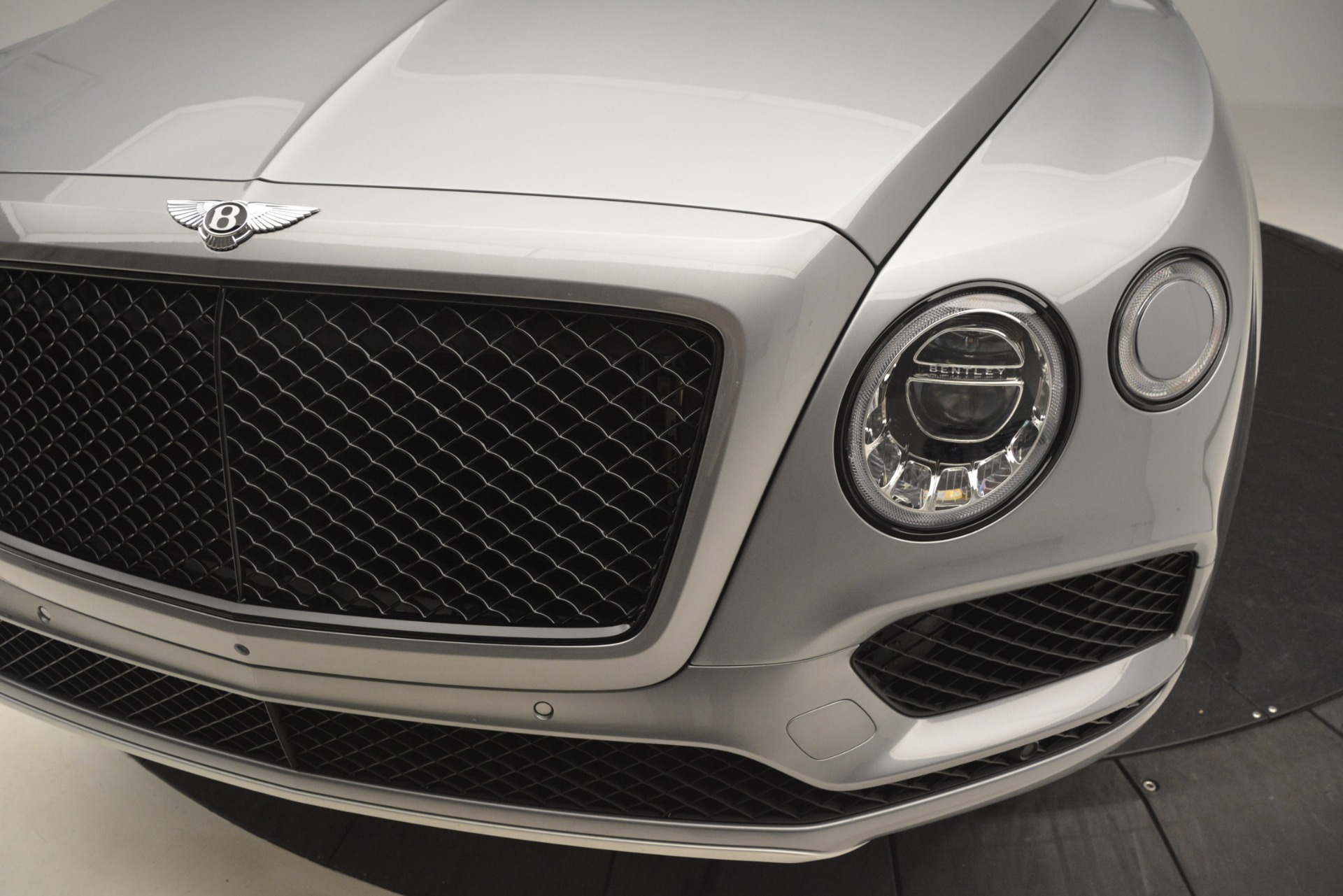 Used 2019 Bentley Bentayga V8 For Sale In Westport, CT 3084_p15