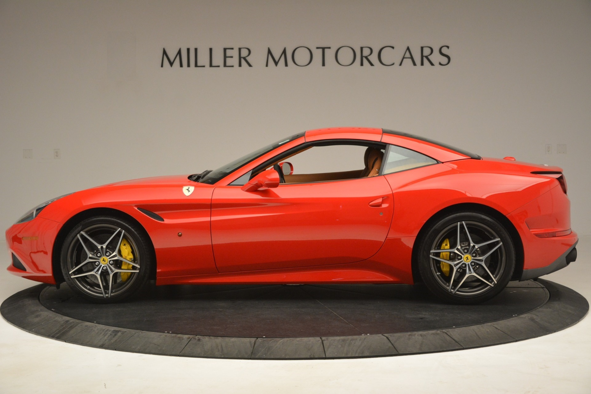 Used 2017 Ferrari California T Handling Speciale For Sale In Westport, CT 3086_p14