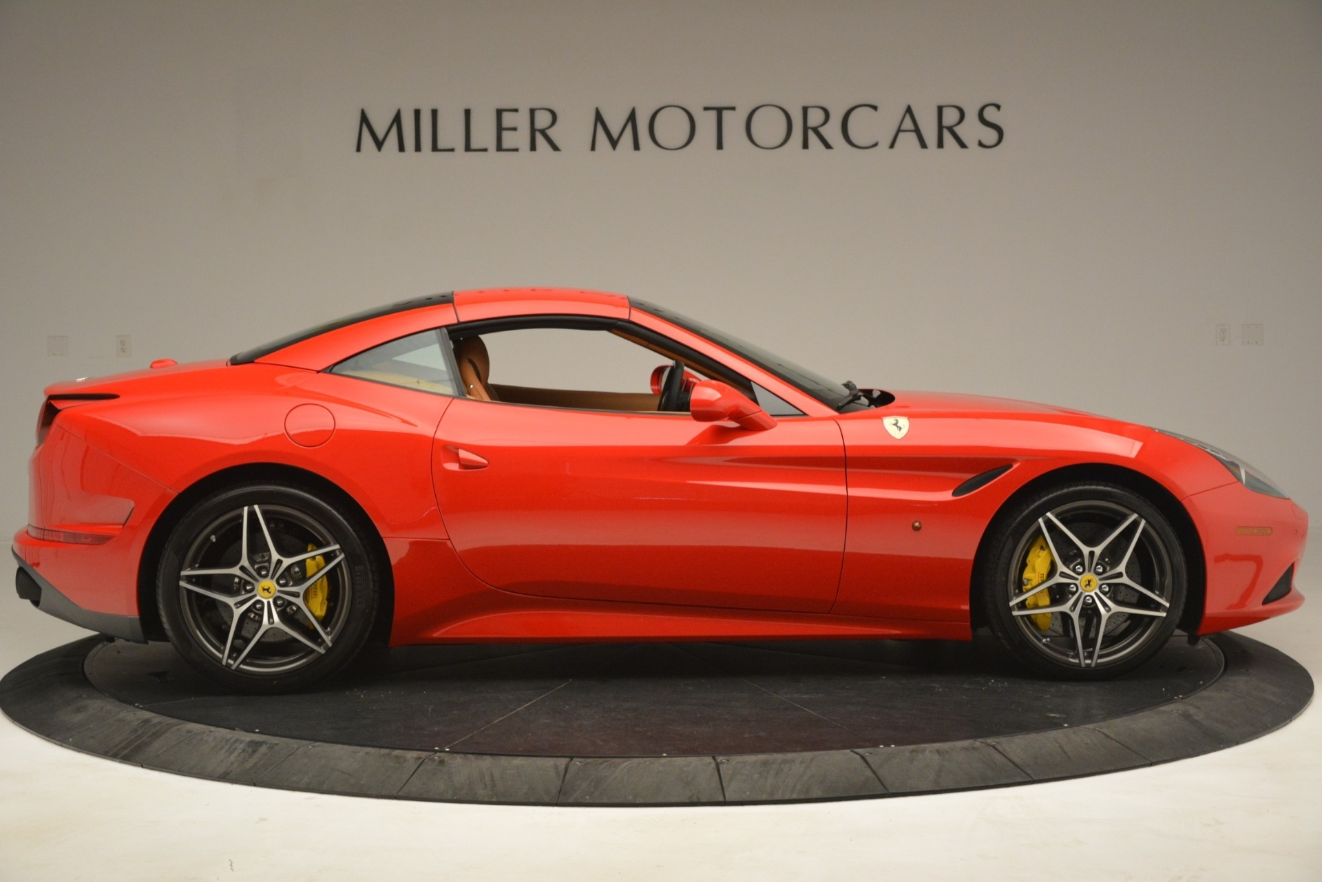 Used 2017 Ferrari California T Handling Speciale For Sale In Westport, CT 3086_p17