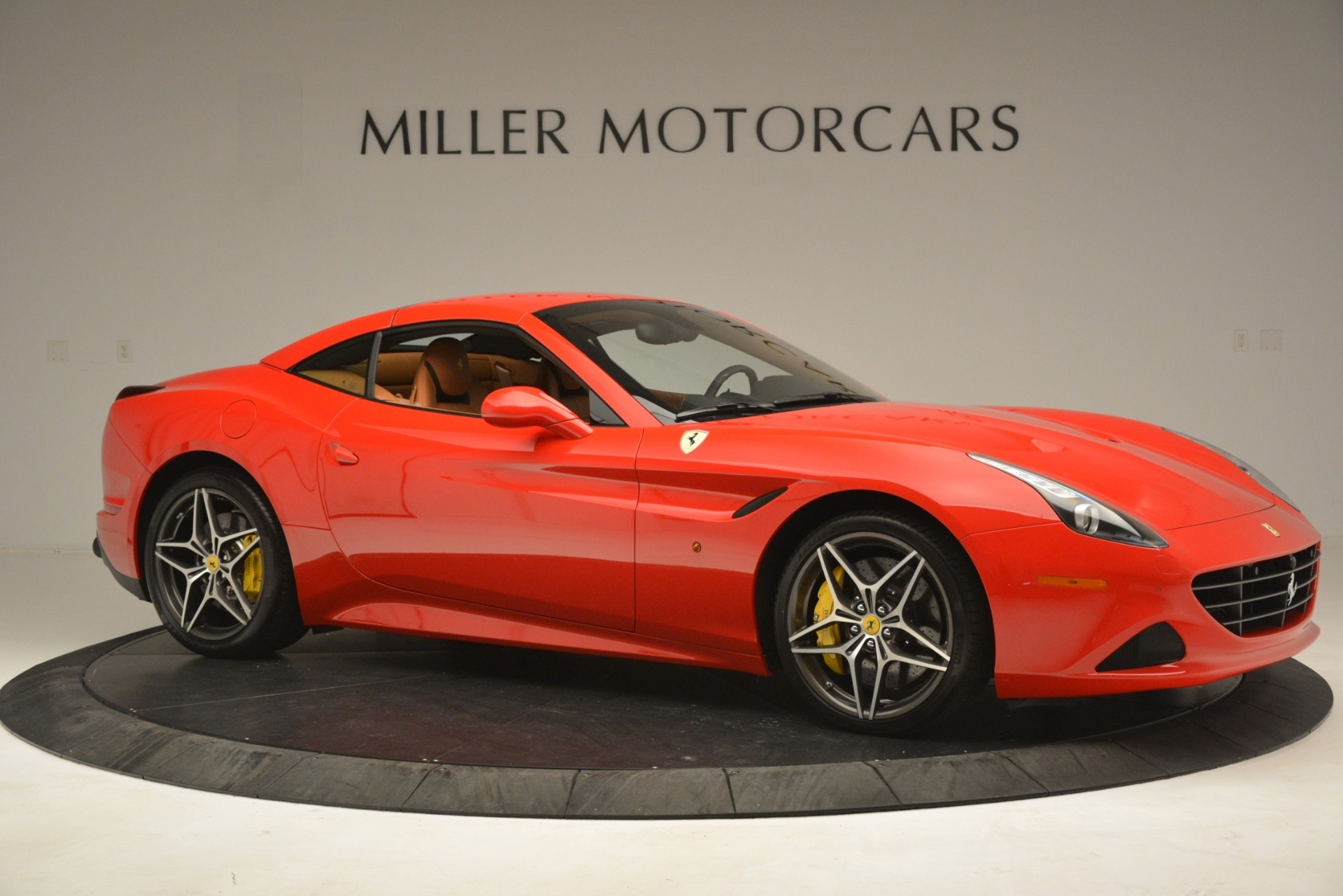 Used 2017 Ferrari California T Handling Speciale For Sale In Westport, CT 3086_p18