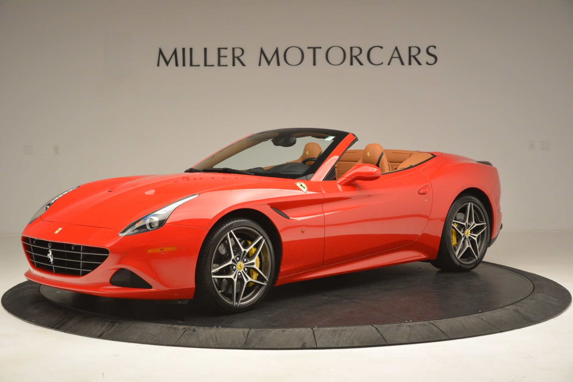 Used 2017 Ferrari California T Handling Speciale For Sale In Westport, CT 3086_p2