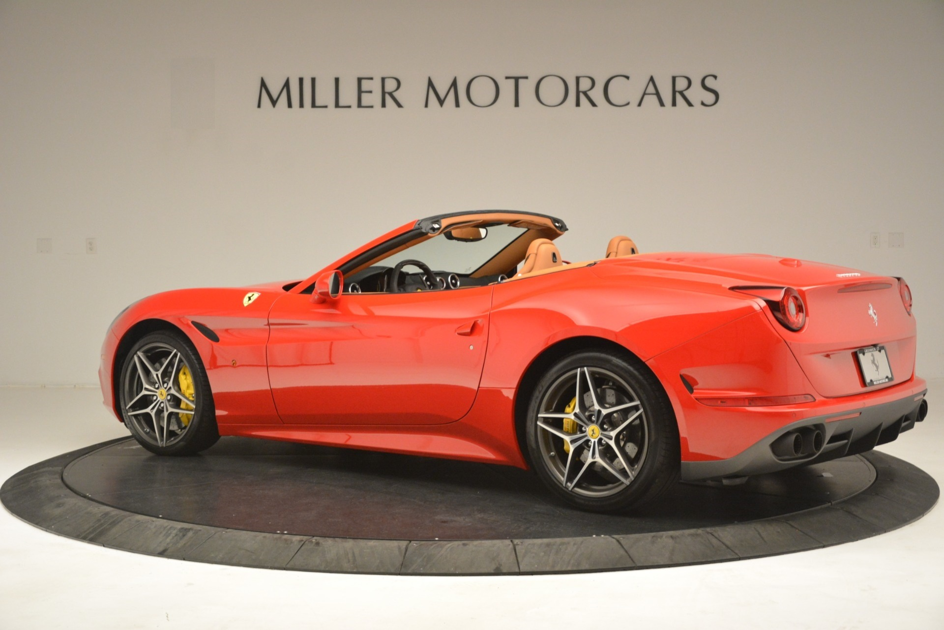 Used 2017 Ferrari California T Handling Speciale For Sale In Westport, CT 3086_p4