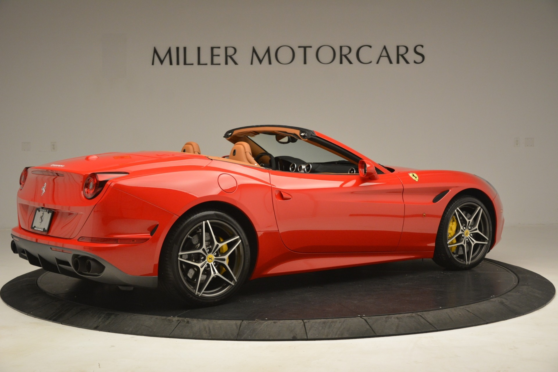 Used 2017 Ferrari California T Handling Speciale For Sale In Westport, CT 3086_p8