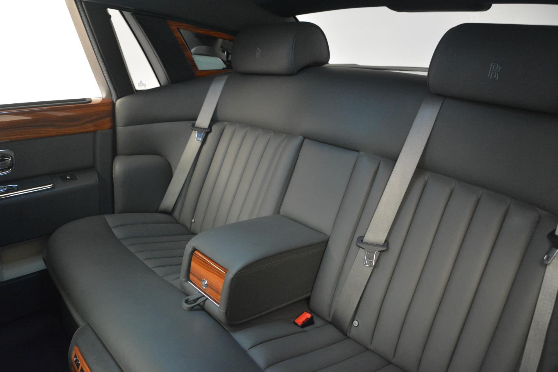 Used 2007 Rolls-Royce Phantom  For Sale In Westport, CT 3089_p19