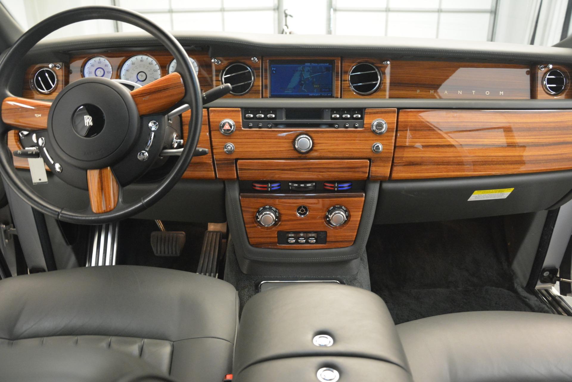 Used 2007 Rolls-Royce Phantom  For Sale In Westport, CT 3089_p23