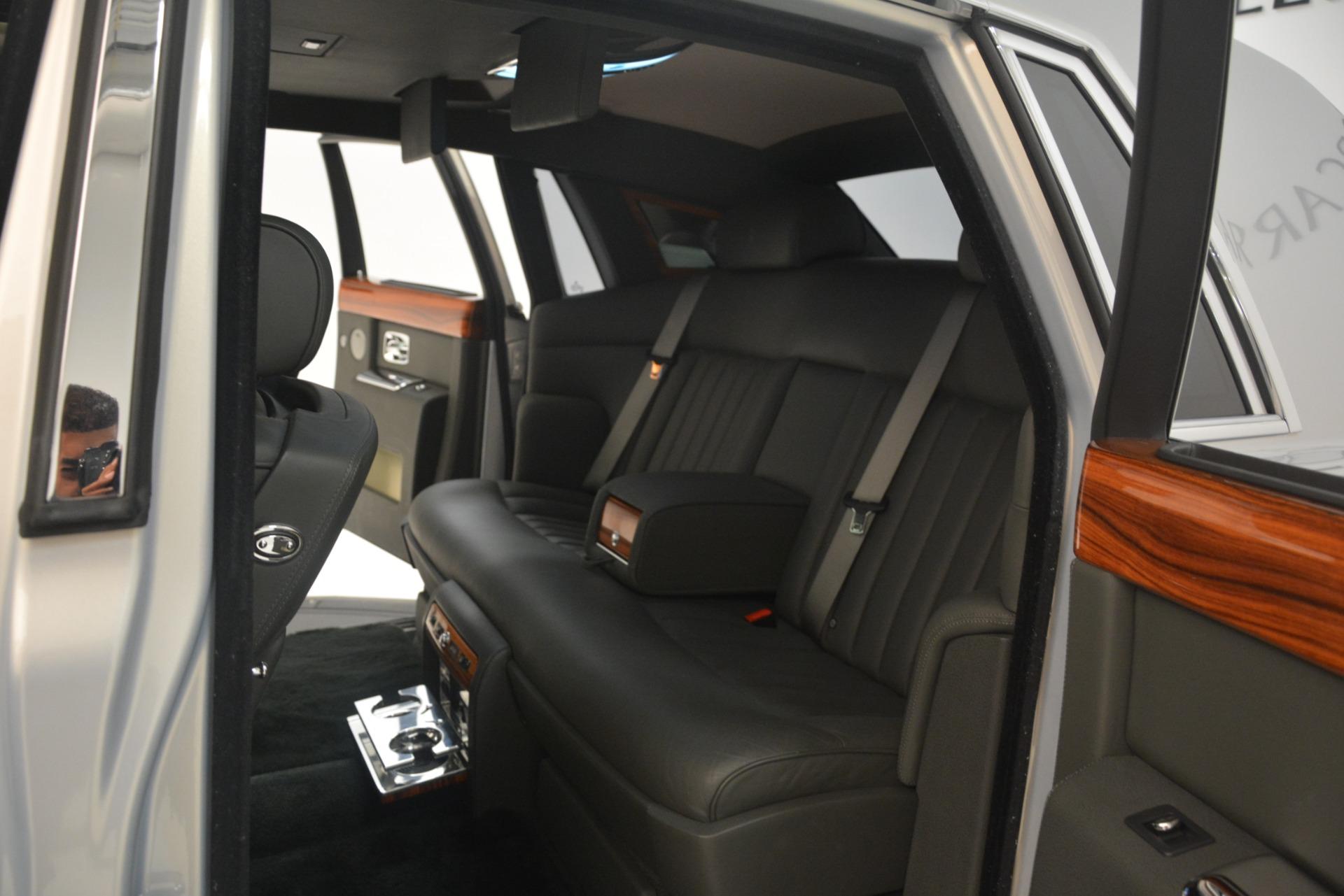 Used 2007 Rolls-Royce Phantom  For Sale In Westport, CT 3089_p26