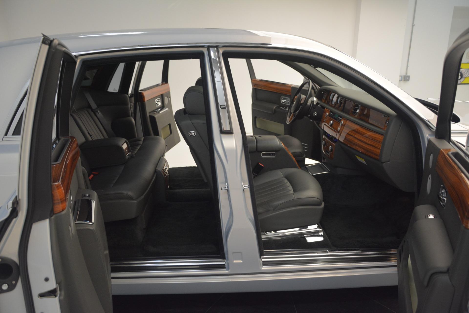 Used 2007 Rolls-Royce Phantom  For Sale In Westport, CT 3089_p28