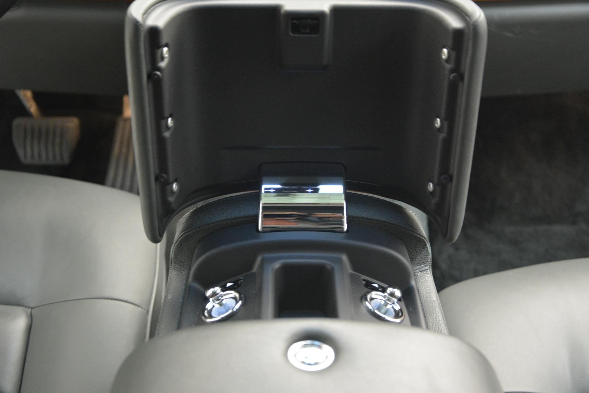 Used 2007 Rolls-Royce Phantom  For Sale In Westport, CT 3089_p34