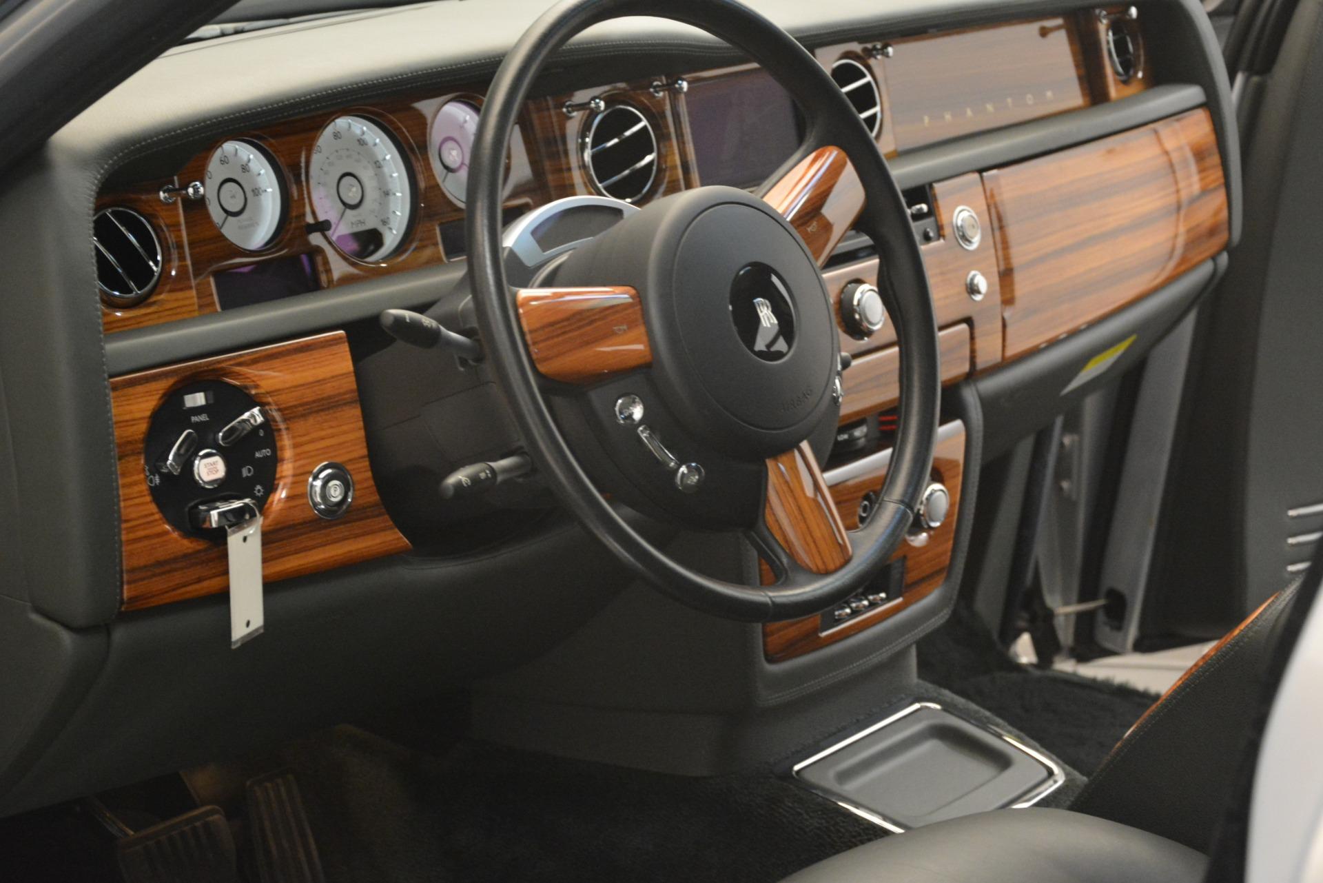 Used 2007 Rolls-Royce Phantom  For Sale In Westport, CT 3089_p40