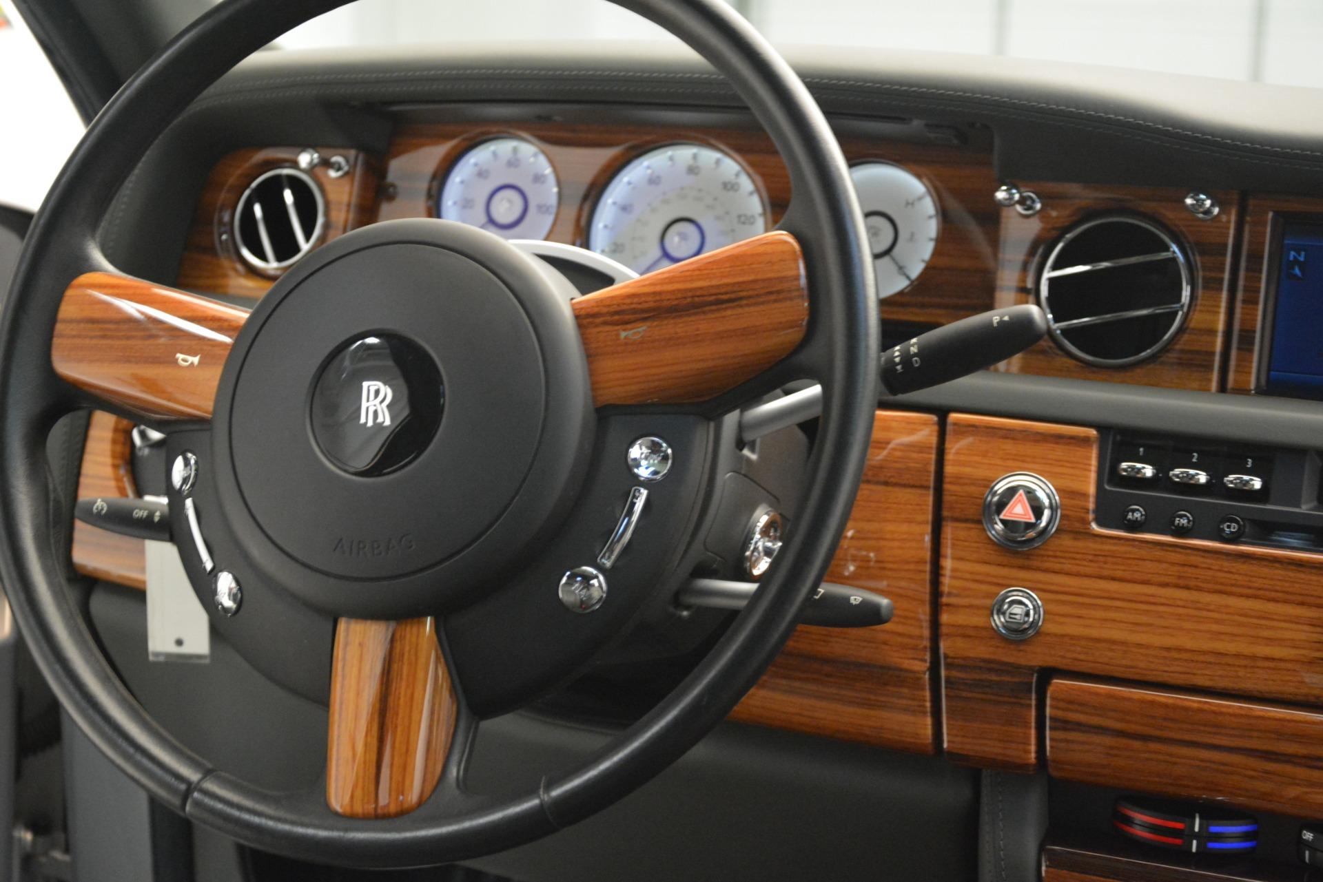Used 2007 Rolls-Royce Phantom  For Sale In Westport, CT 3089_p42