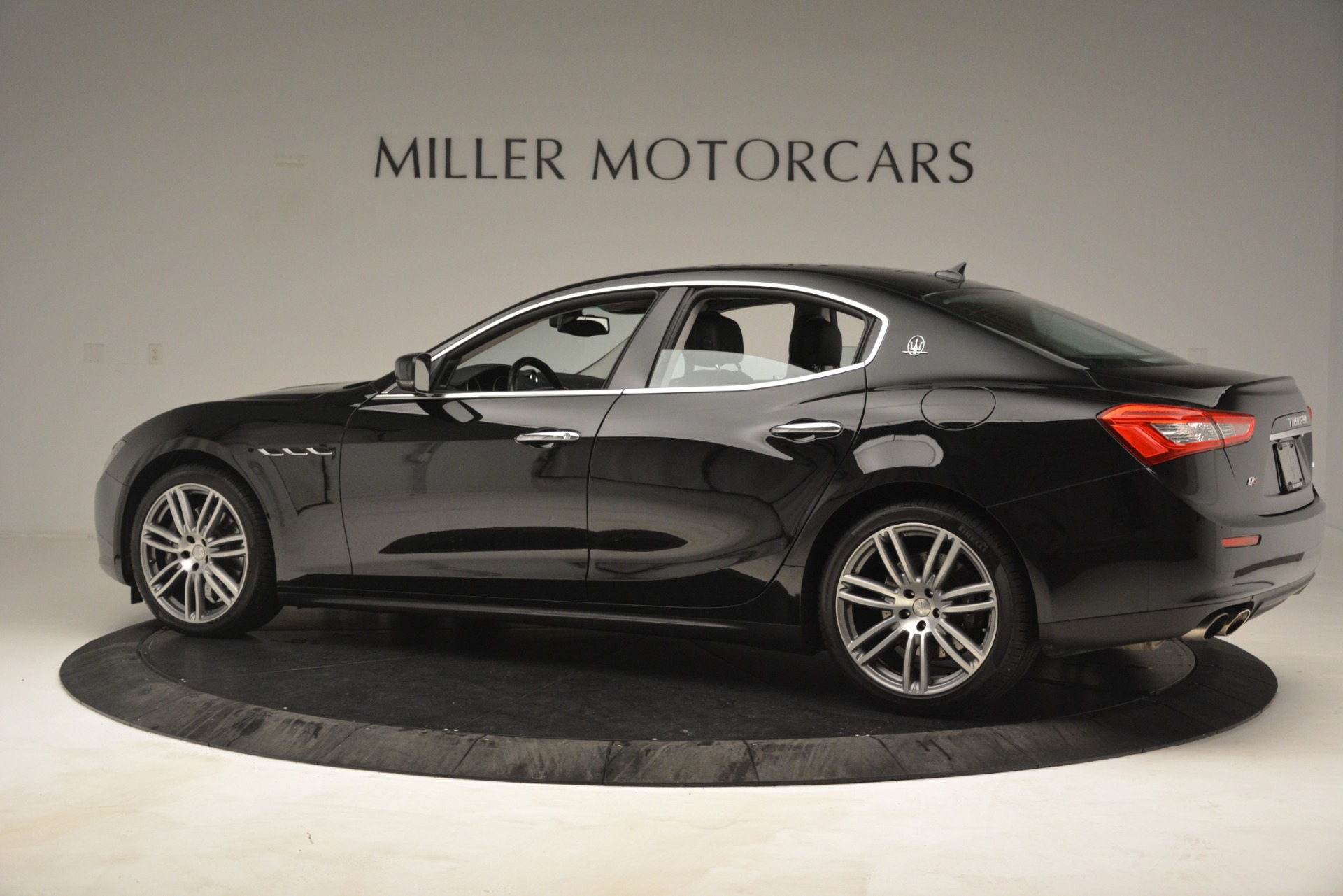 Used 2015 Maserati Ghibli S Q4 For Sale In Westport, CT 3102_p4