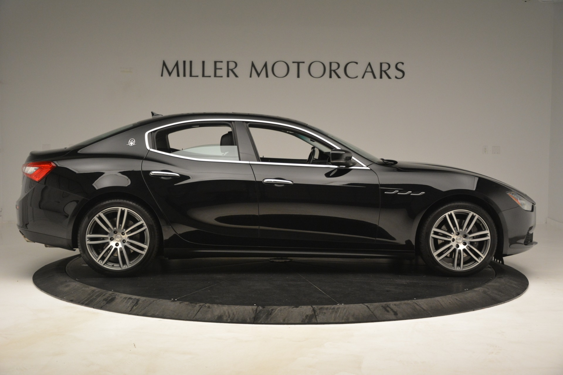 Used 2015 Maserati Ghibli S Q4 For Sale In Westport, CT 3102_p9