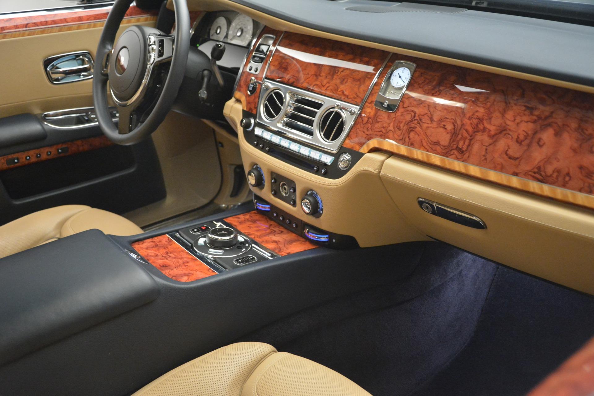 Used 2015 Rolls-Royce Ghost  For Sale In Westport, CT 3113_p21