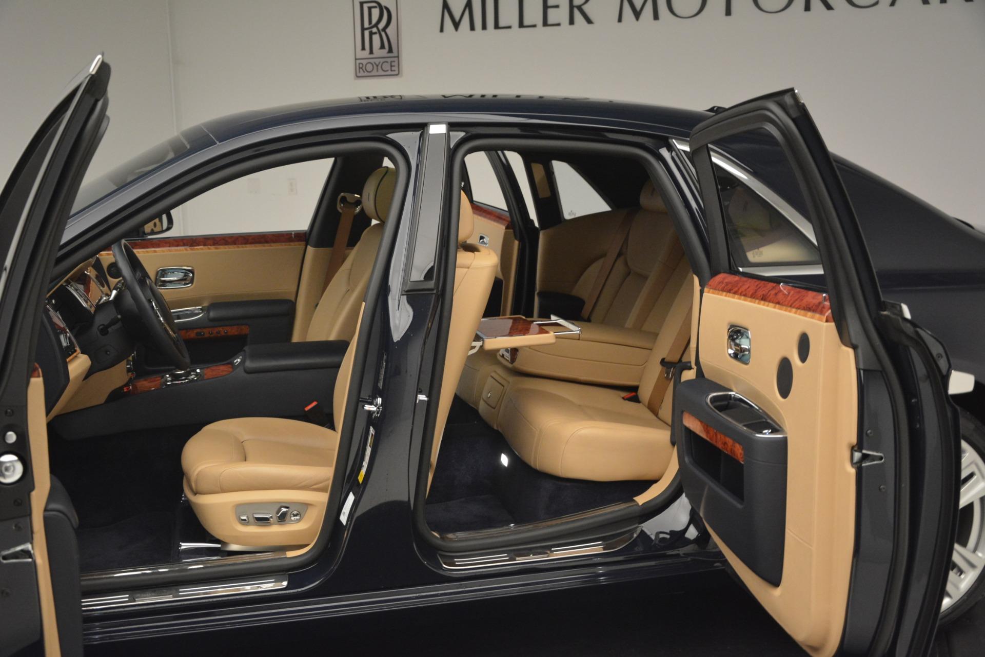 Used 2015 Rolls-Royce Ghost  For Sale In Westport, CT 3113_p25