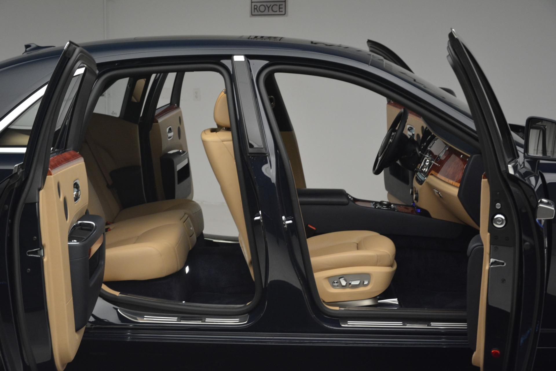Used 2015 Rolls-Royce Ghost  For Sale In Westport, CT 3113_p34