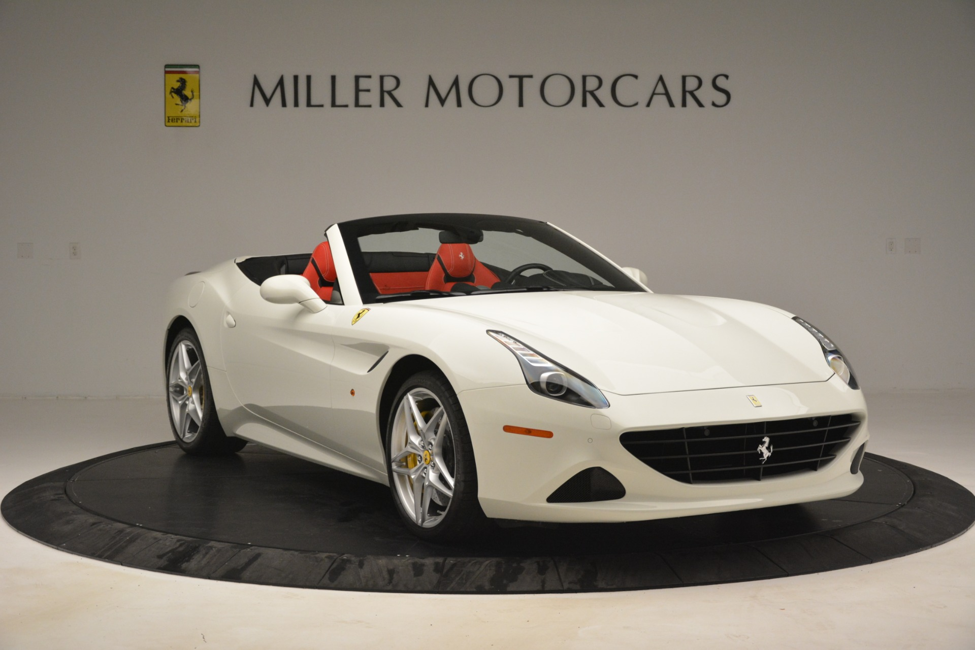 Used 2016 Ferrari California T  For Sale In Westport, CT 3115_p11