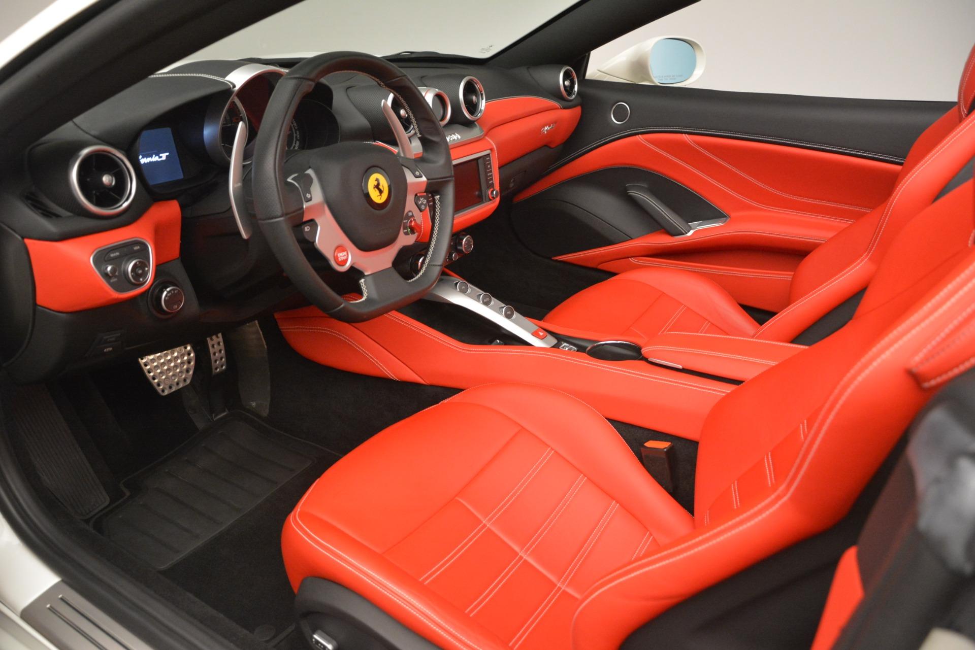 Used 2016 Ferrari California T  For Sale In Westport, CT 3115_p18