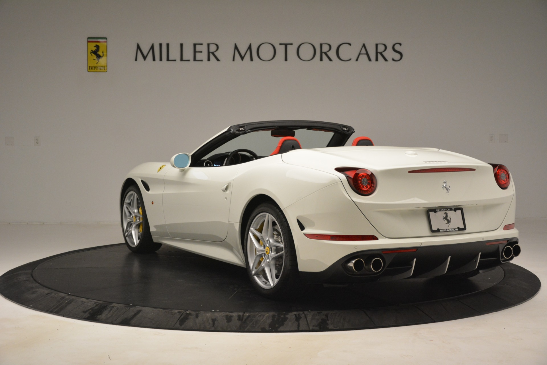 Used 2016 Ferrari California T  For Sale In Westport, CT 3115_p5