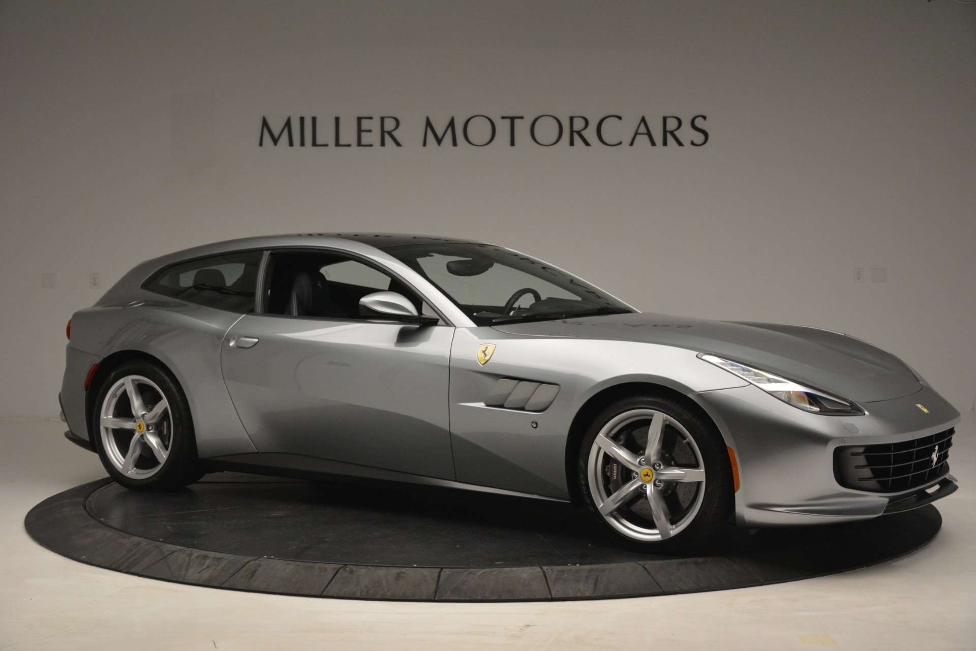 Used 2017 Ferrari GTC4Lusso  For Sale In Westport, CT 3119_p10