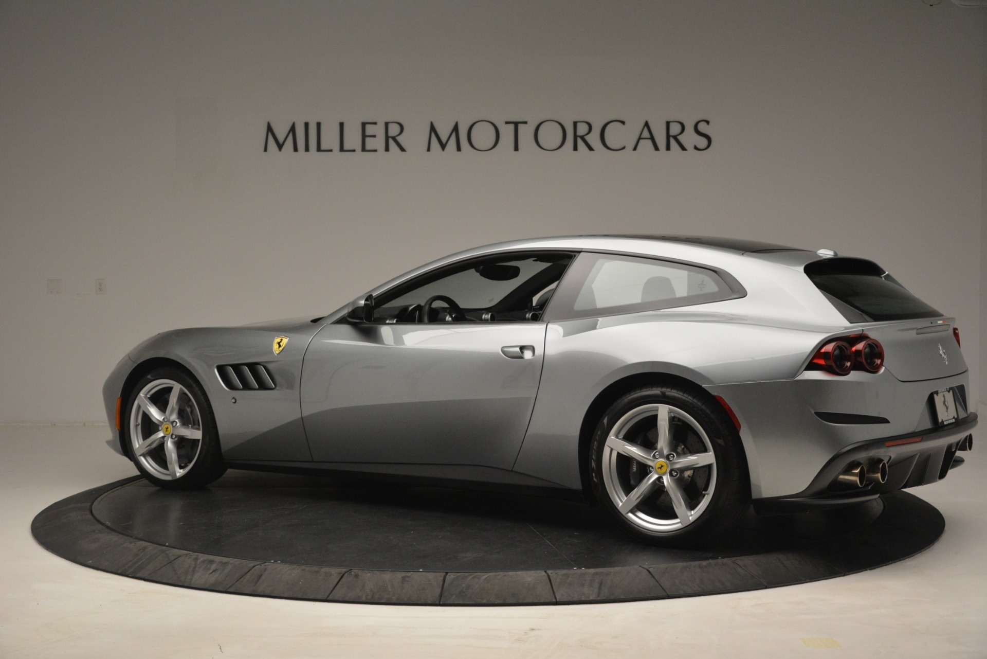 Used 2017 Ferrari GTC4Lusso  For Sale In Westport, CT 3119_p4