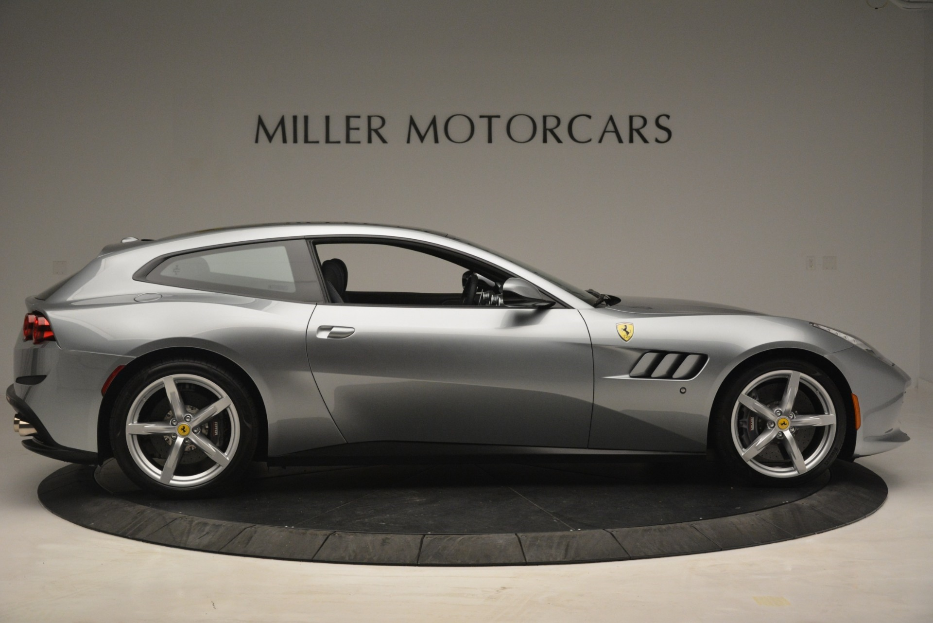 Used 2017 Ferrari GTC4Lusso  For Sale In Westport, CT 3119_p9