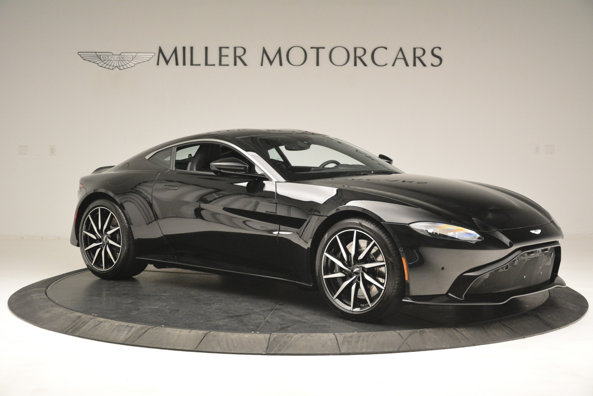 New 2019 Aston Martin Vantage V8 For Sale In Westport, CT 3124_p10