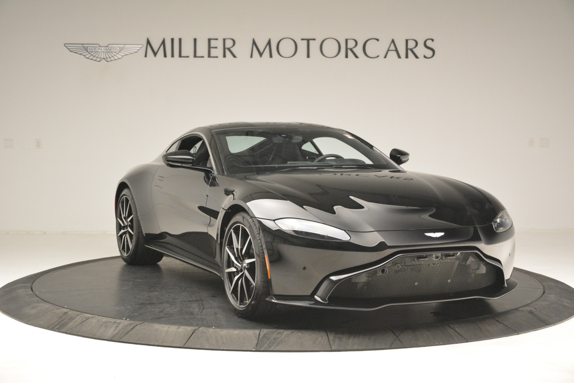 New 2019 Aston Martin Vantage V8 For Sale In Westport, CT 3124_p11