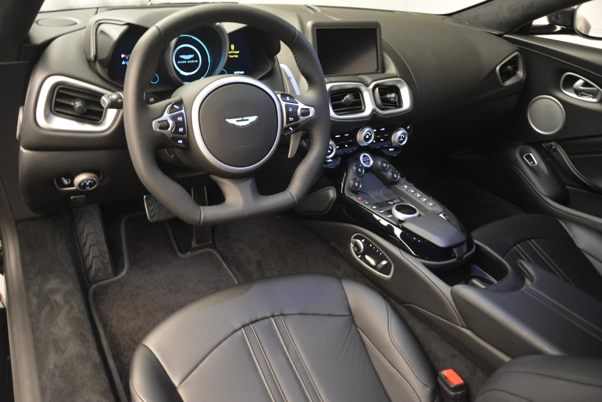 New 2019 Aston Martin Vantage Coupe For Sale In Westport, CT 3124_p13