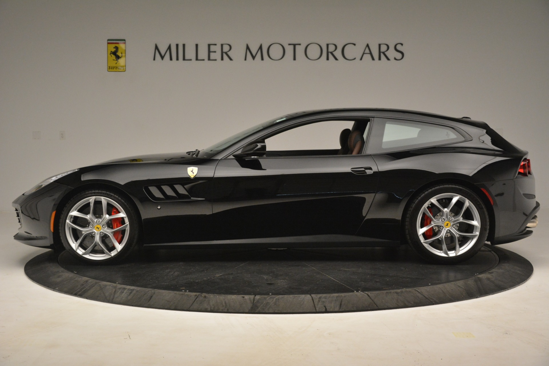 Used 2018 Ferrari GTC4Lusso T  For Sale In Westport, CT 3125_p3