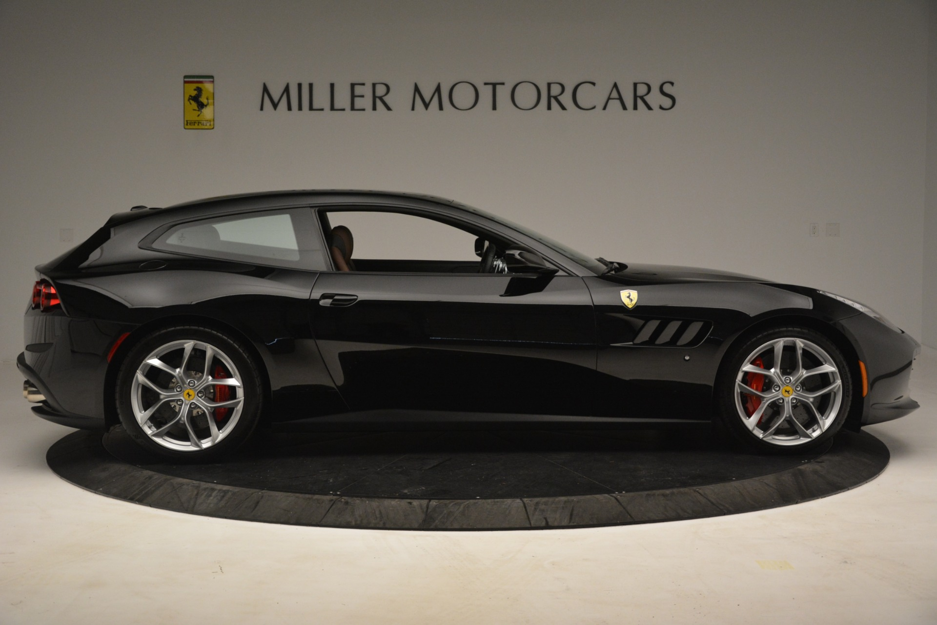 Used 2018 Ferrari GTC4Lusso T  For Sale In Westport, CT 3125_p9