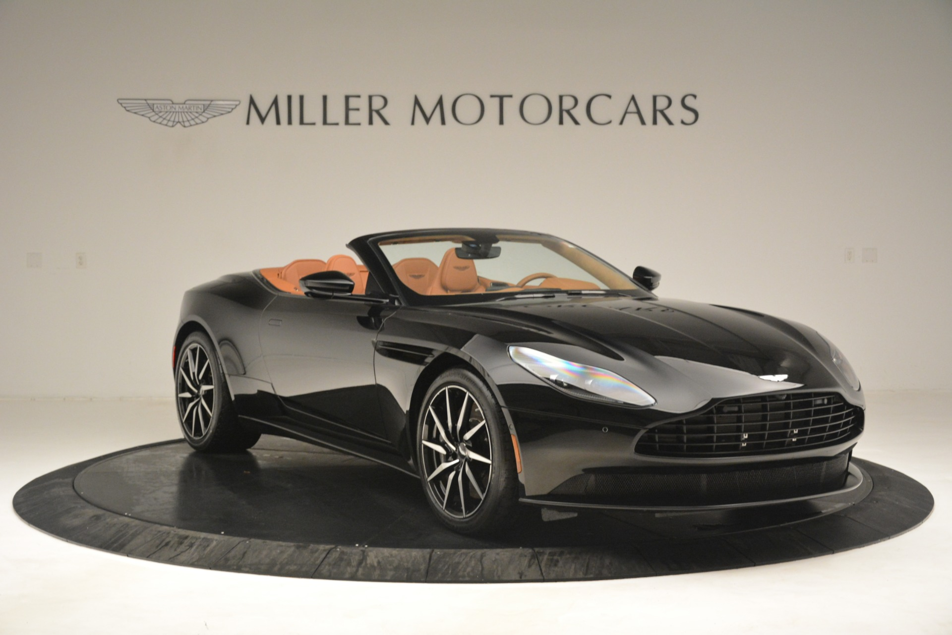 New 2019 Aston Martin DB11 V8 Convertible For Sale In Westport, CT 3135_p11