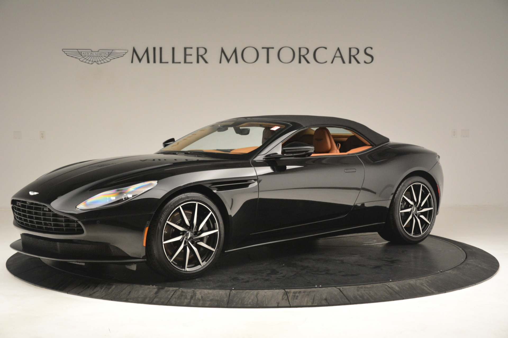 New 2019 Aston Martin DB11 V8 Convertible For Sale In Westport, CT 3135_p13