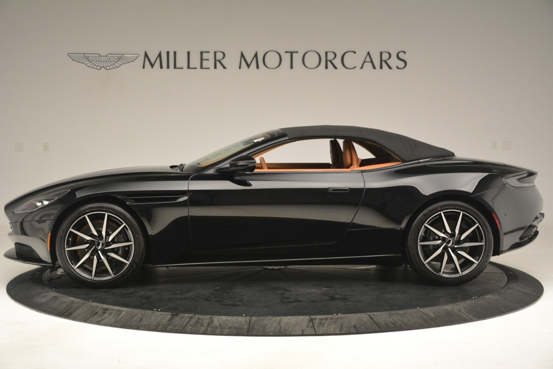 New 2019 Aston Martin DB11 V8 Convertible For Sale In Westport, CT 3135_p14