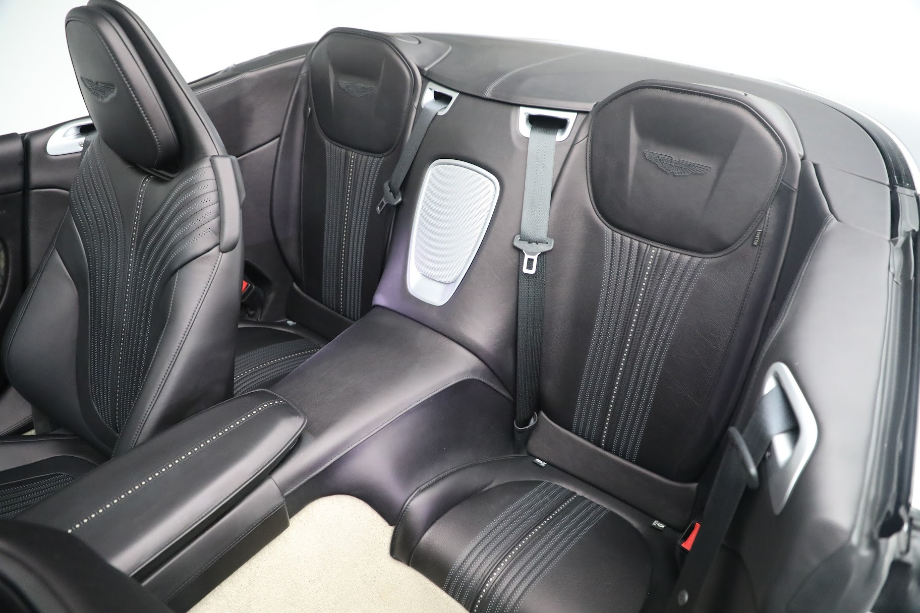 New 2019 Aston Martin DB11 V8 Convertible For Sale In Westport, CT 3136_p21