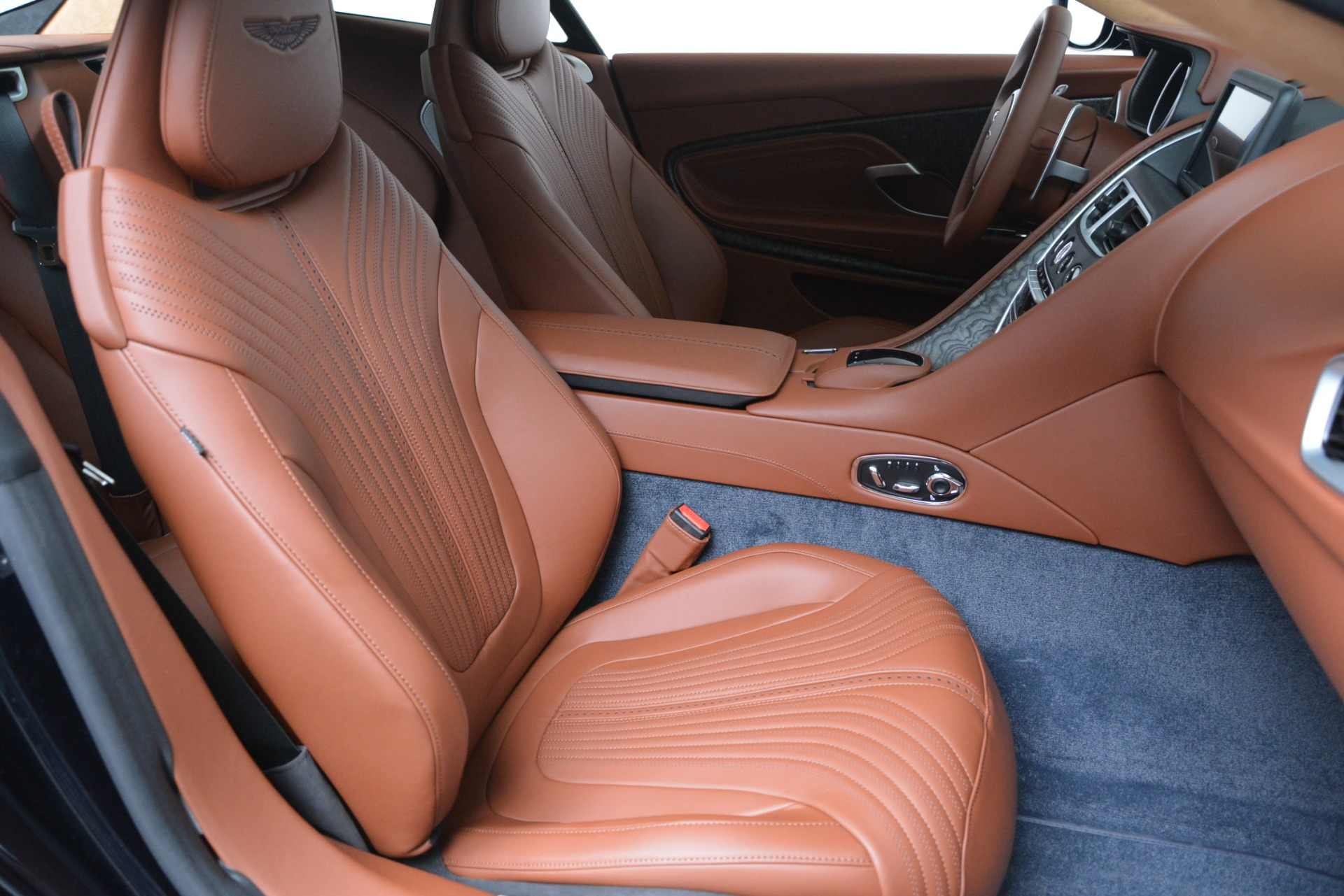 New 2019 Aston Martin DB11 V8 For Sale In Westport, CT 3145_p21