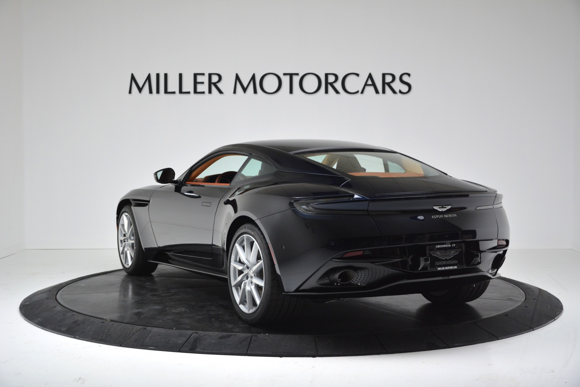 New 2019 Aston Martin DB11 V8 Coupe For Sale In Westport, CT 3145_p5