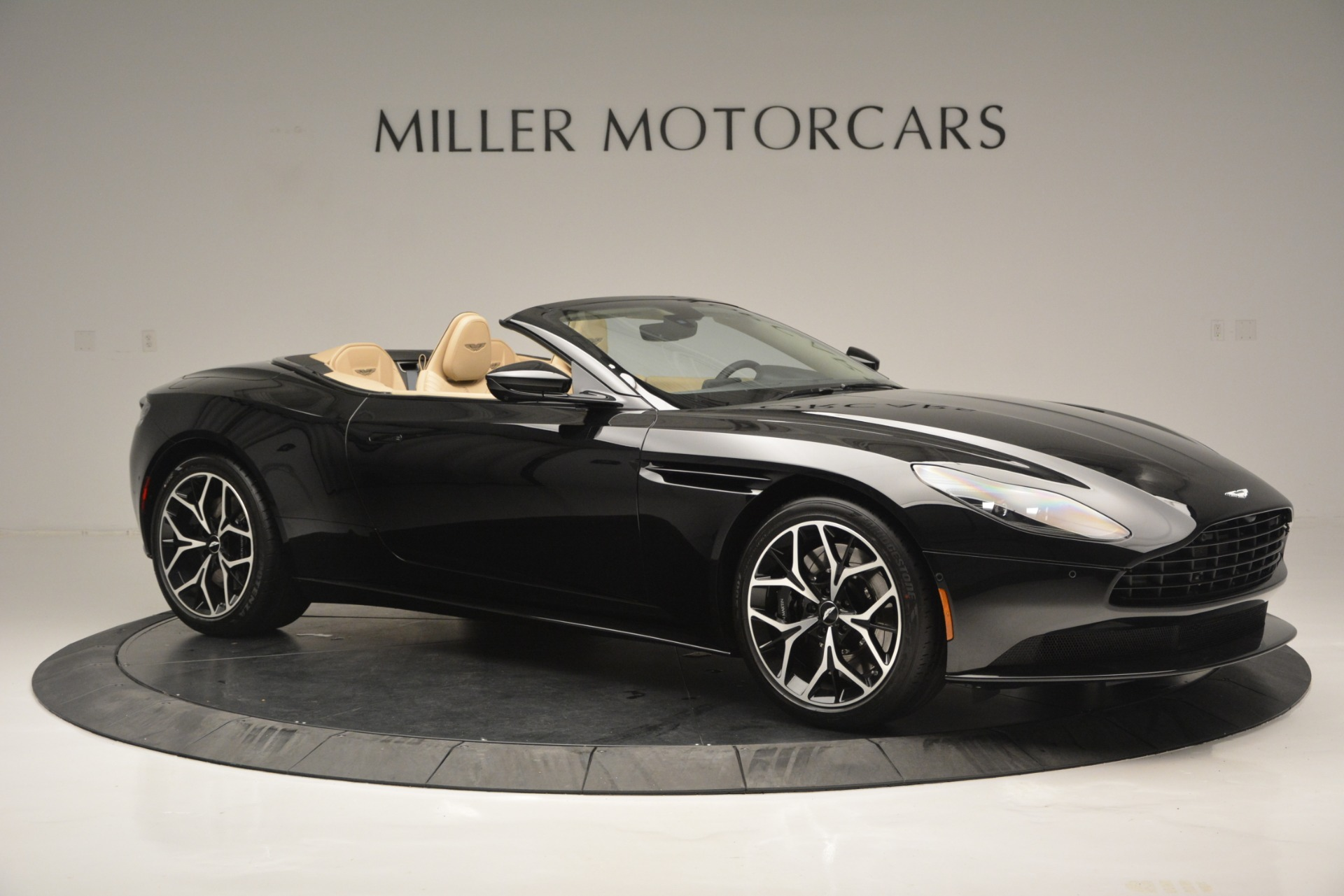 New 2019 Aston Martin DB11 V8 Convertible For Sale In Westport, CT 3148_p10