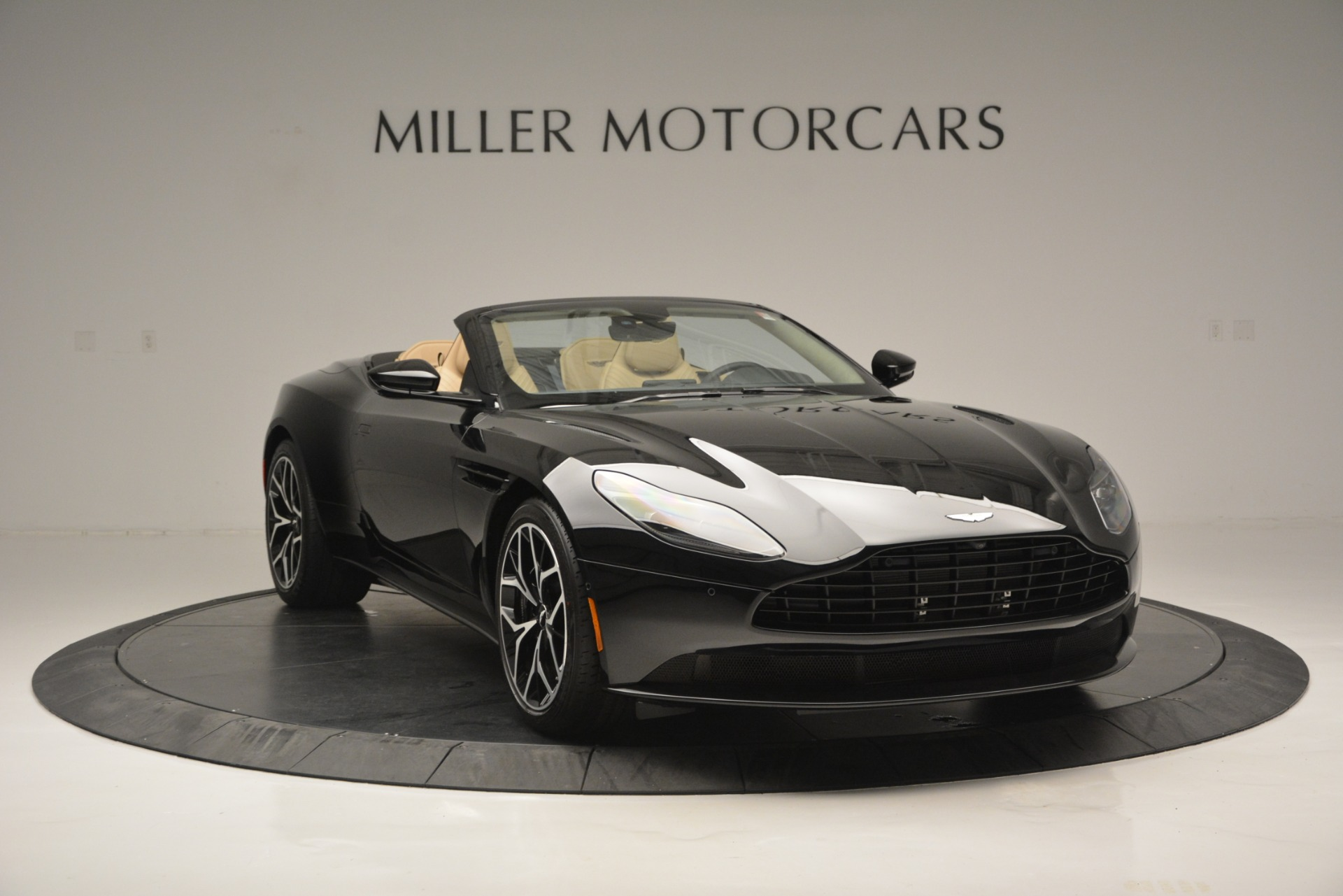 New 2019 Aston Martin DB11 V8 Convertible For Sale In Westport, CT 3148_p11