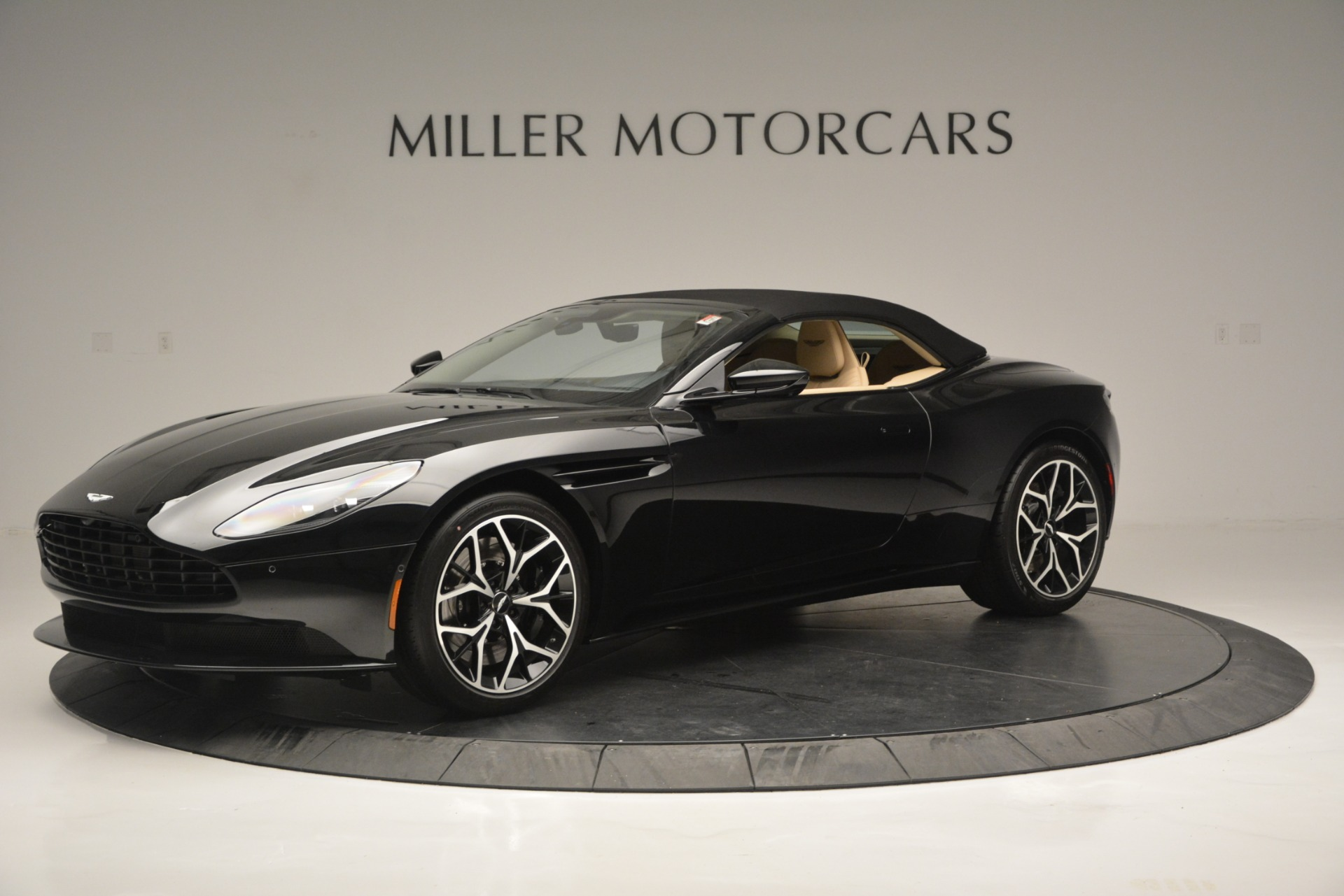 New 2019 Aston Martin DB11 V8 Convertible For Sale In Westport, CT 3148_p14