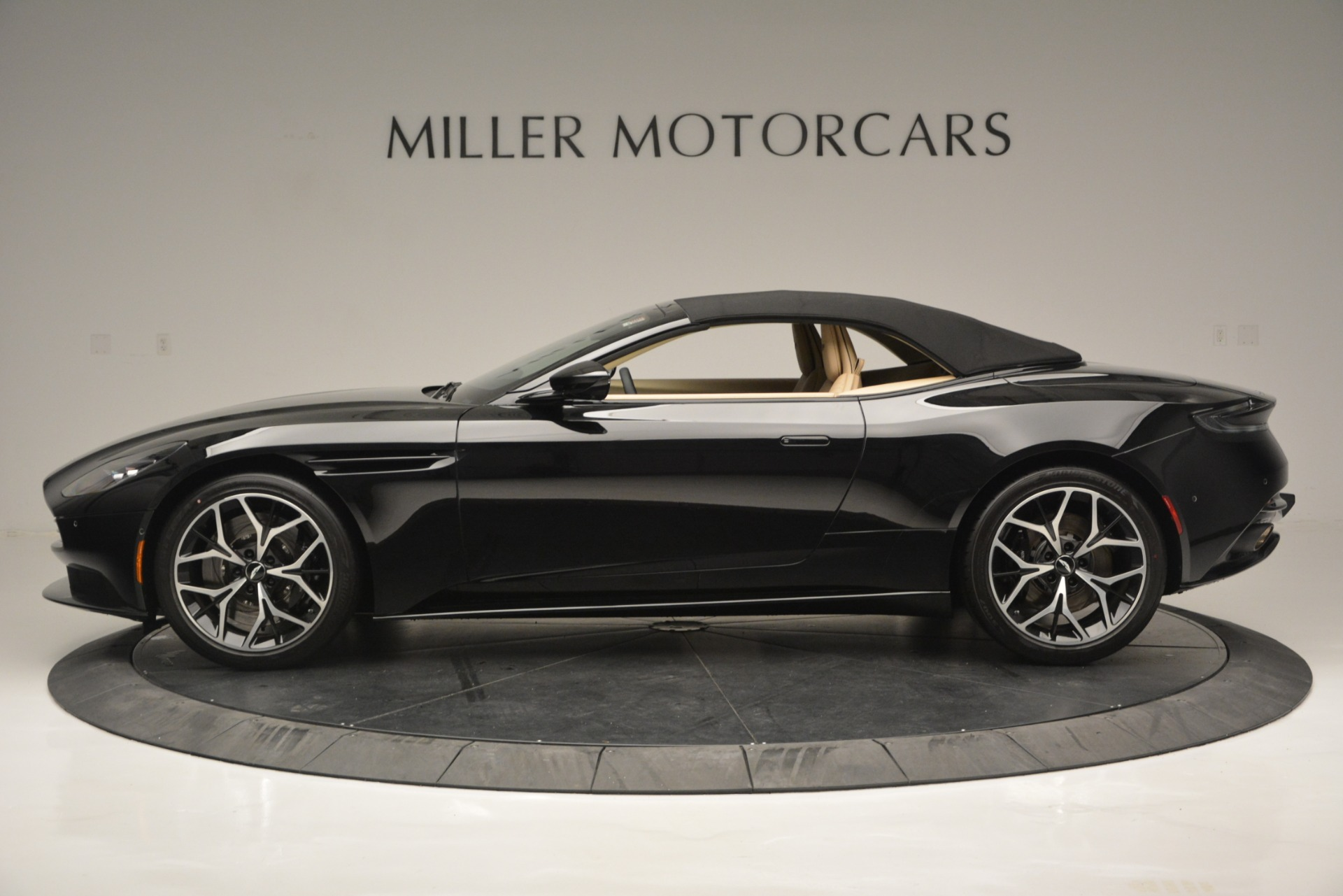 New 2019 Aston Martin DB11 V8 Convertible For Sale In Westport, CT 3148_p15