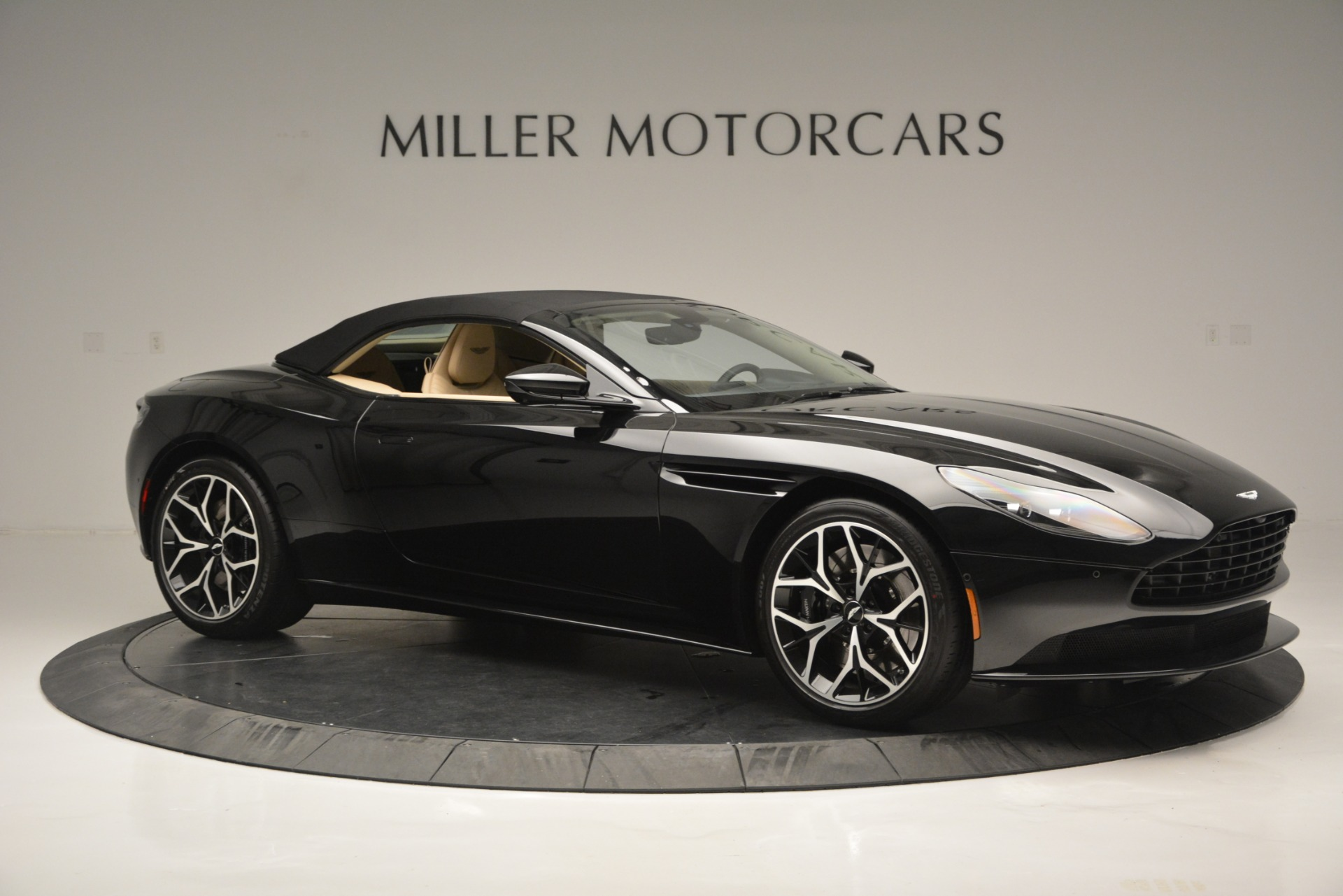 New 2019 Aston Martin DB11 V8 Convertible For Sale In Westport, CT 3148_p17