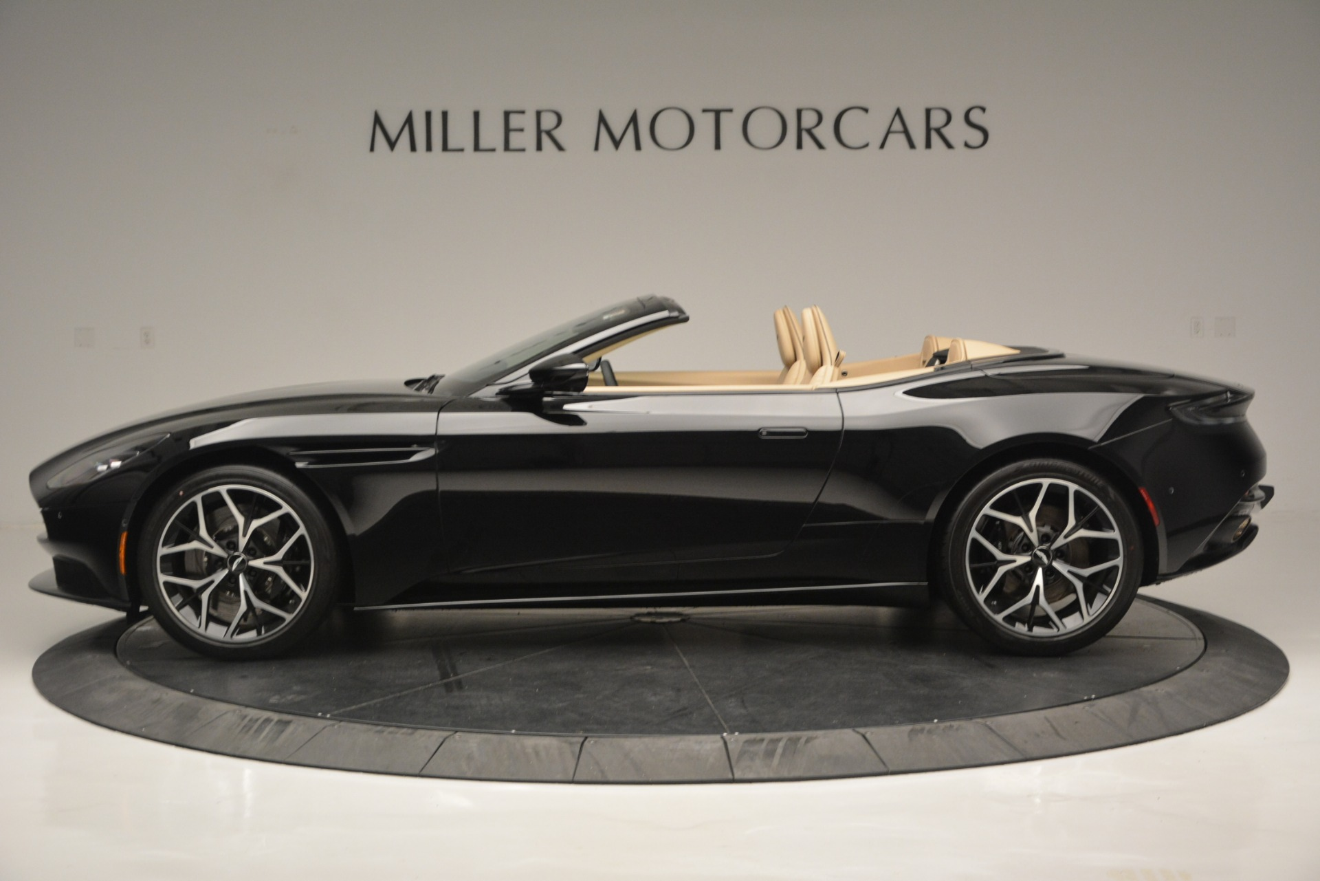 New 2019 Aston Martin DB11 V8 Convertible For Sale In Westport, CT 3148_p3