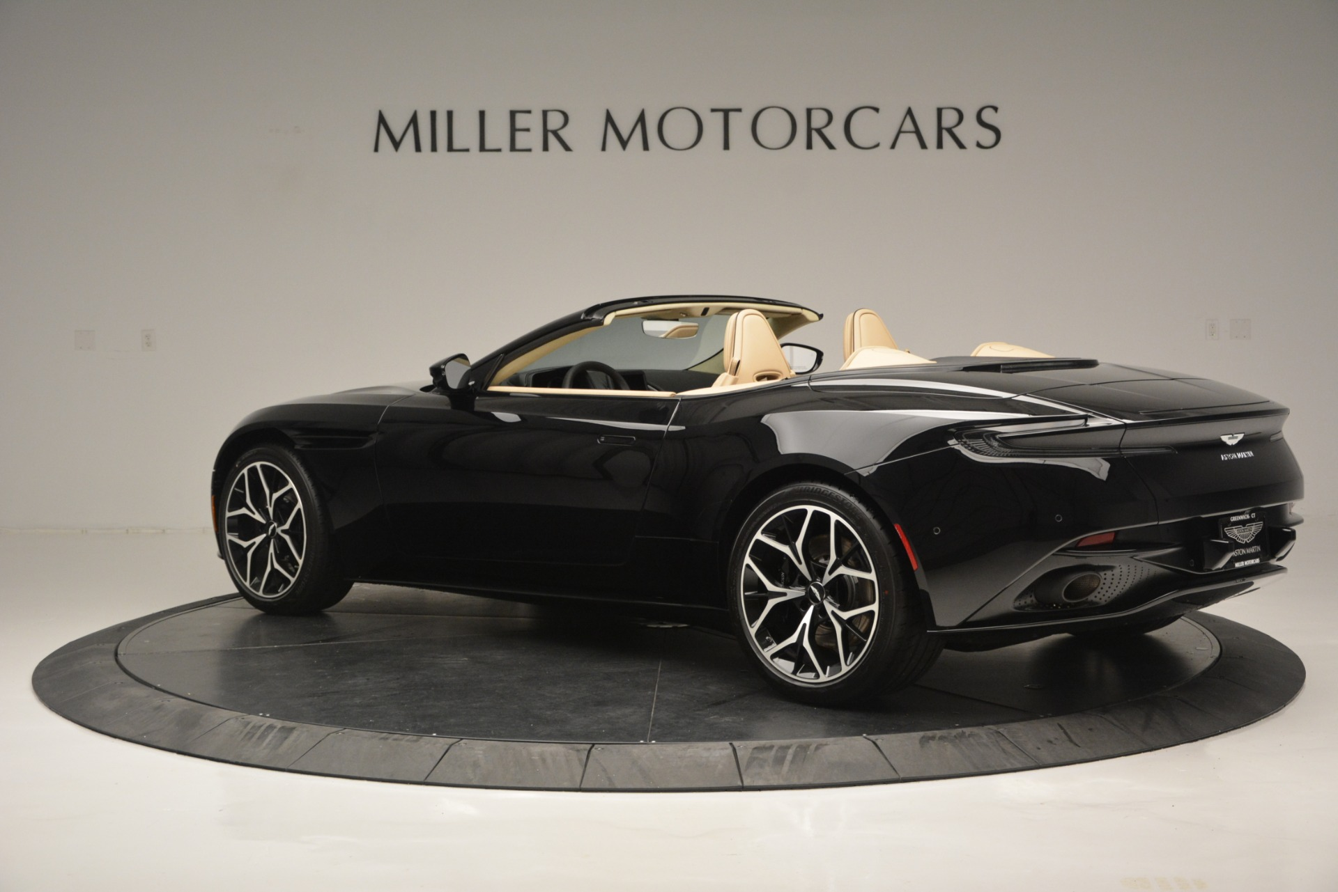 New 2019 Aston Martin DB11 V8 Convertible For Sale In Westport, CT 3148_p4