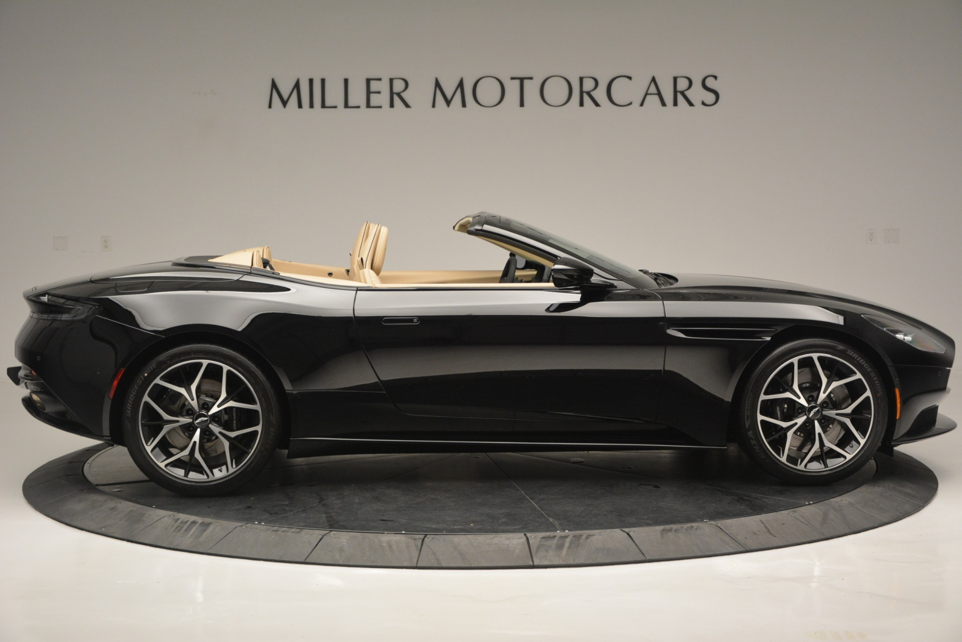New 2019 Aston Martin DB11 V8 Convertible For Sale In Westport, CT 3148_p9